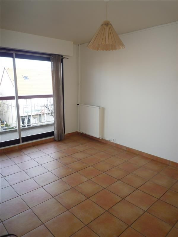Rental apartment Livry gargan 725€ CC - Picture 2