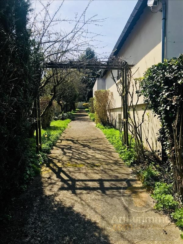 Investment property house / villa Montfermeil 848000€ - Picture 2