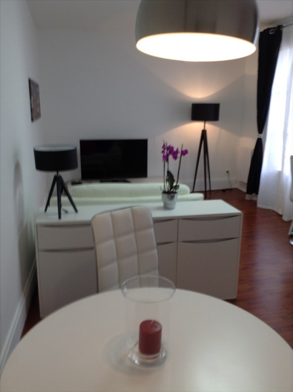 Location appartement Fontainebleau 1 150€ CC - Photo 2