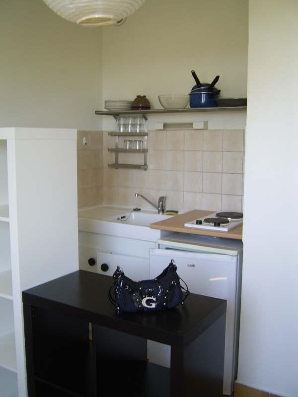 Verhuren  appartement Nimes 325€ CC - Foto 2