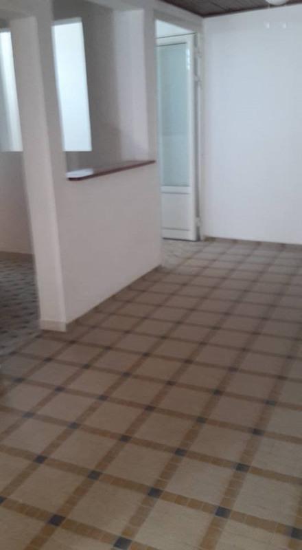 Rental empty room/storage Basse terre 1200€ CC - Picture 3