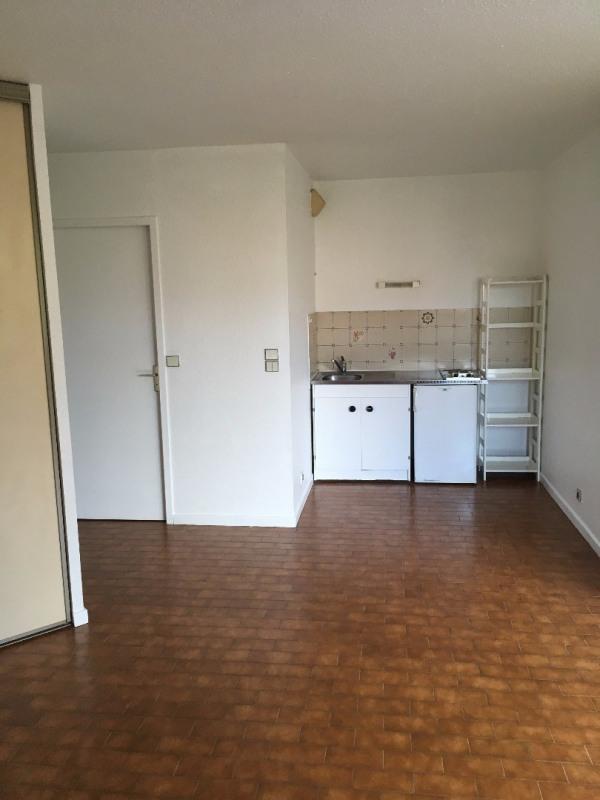 Location appartement Romans-sur-isère 280€ CC - Photo 2