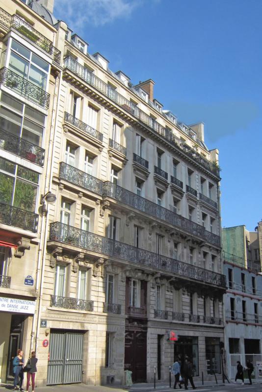 Rental apartment Paris 9ème 1590€ CC - Picture 7