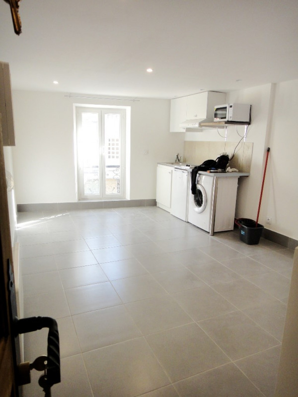 Location appartement Vinon-sur-verdon 690€ CC - Photo 1