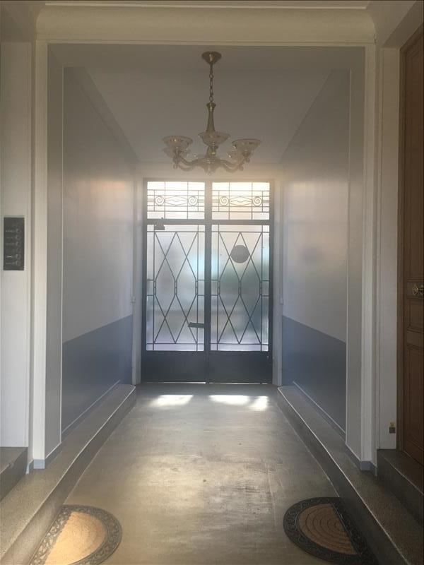 Sale apartment Versailles 195000€ - Picture 1