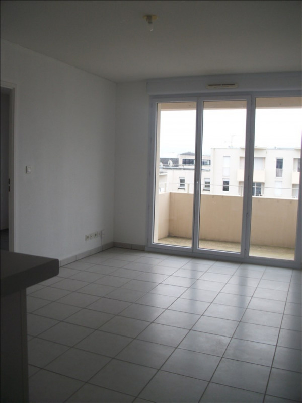 Location appartement Poitiers 450€ CC - Photo 3