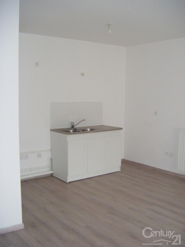 Locação apartamento Fleury sur orne 535€ CC - Fotografia 2