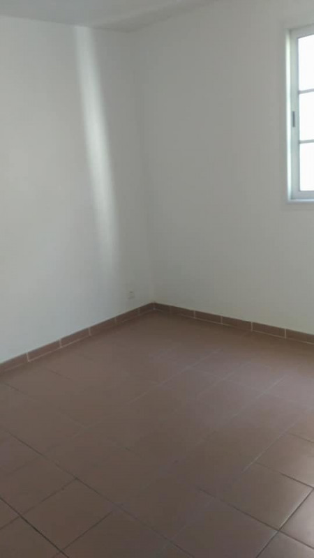 Rental apartment Vieux habitants 650€ CC - Picture 7