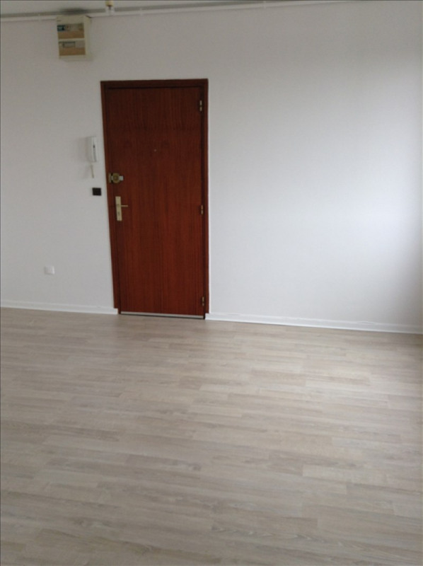 Location appartement St quentin 315€ CC - Photo 3