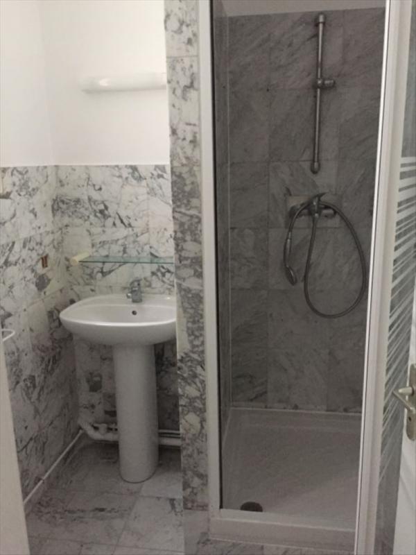 Location appartement Paris 18ème 2100€ CC - Photo 8