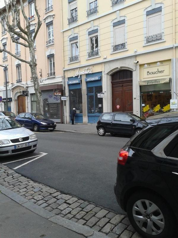 Location boutique Lyon 3ème 697€ CC - Photo 1