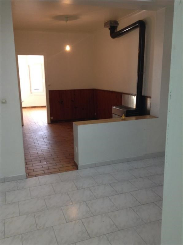 Rental house / villa St quentin 490€ CC - Picture 3