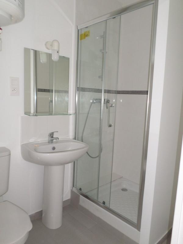 Rental apartment Melun 370€ CC - Picture 2