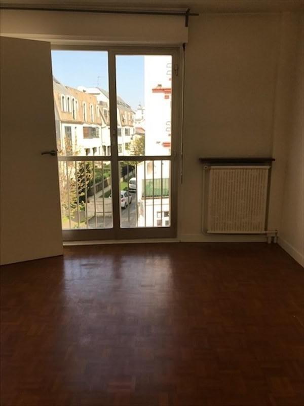 Location appartement Courbevoie 930€ CC - Photo 4