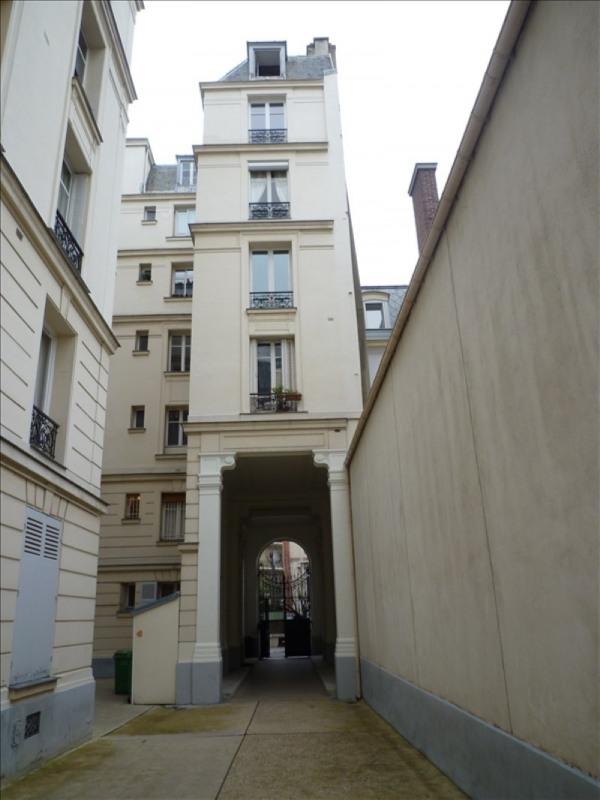 Location appartement Paris 16ème 1144€ CC - Photo 1
