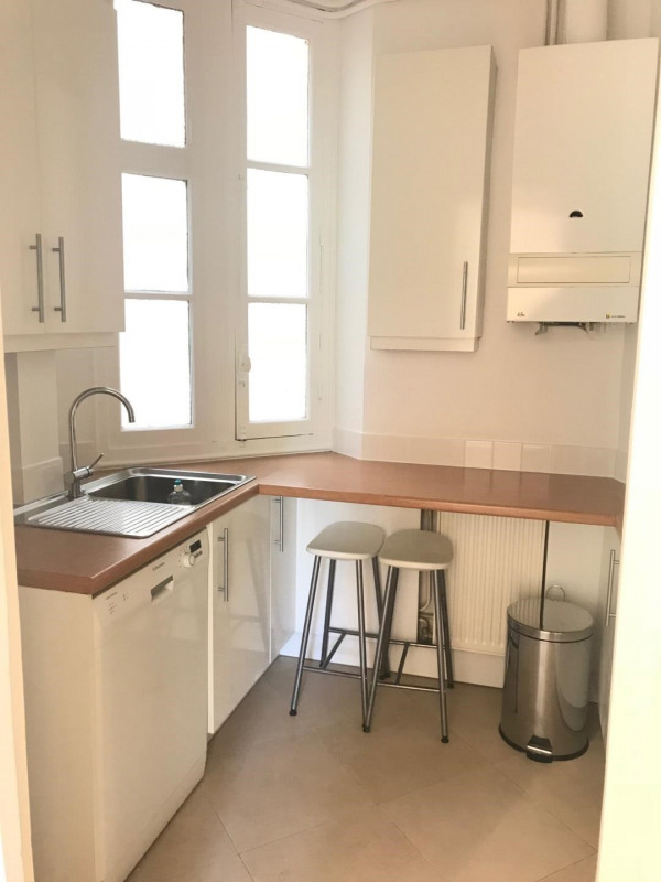 Location appartement Paris 17ème 1 580€ CC - Photo 4