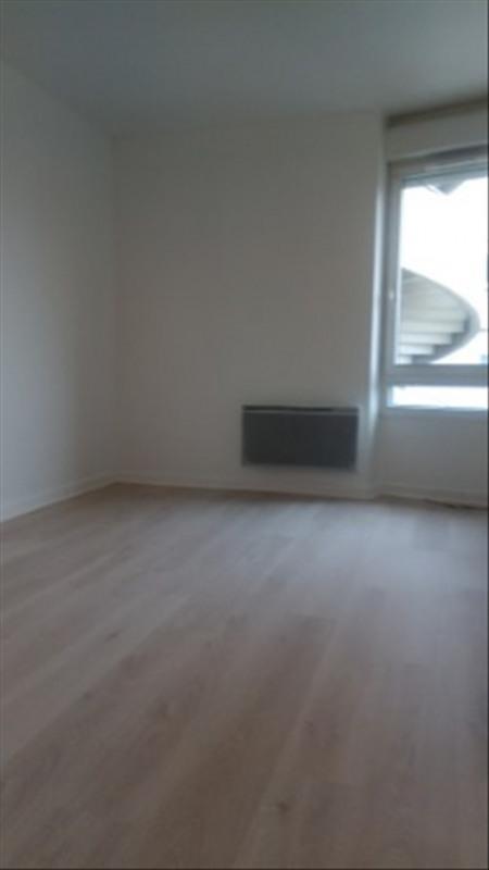 Rental apartment Paris 18ème 1490€ CC - Picture 4