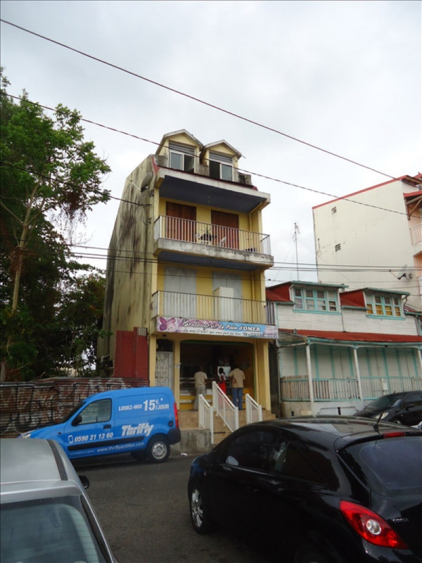 Investment property building Pointe a pitre 320000€ - Picture 1