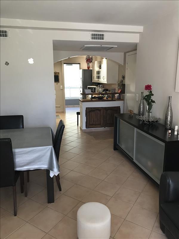 Sale apartment Six fours les plages 242000€ - Picture 2