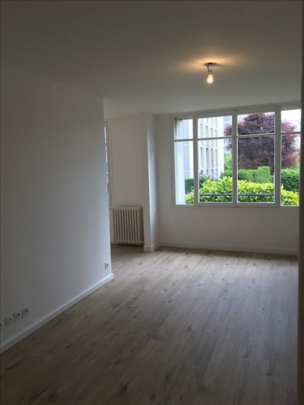 Location appartement Bougival 1 255€ CC - Photo 2