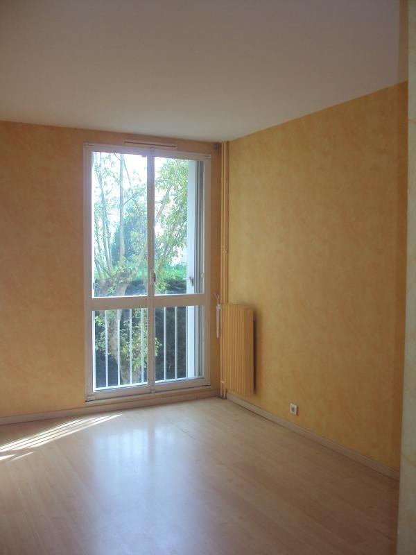 Location appartement Rambouillet 770€ CC - Photo 1