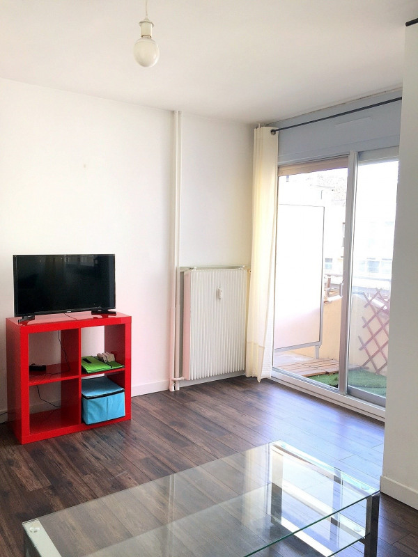 Location appartement Paris 15ème 895€ CC - Photo 4