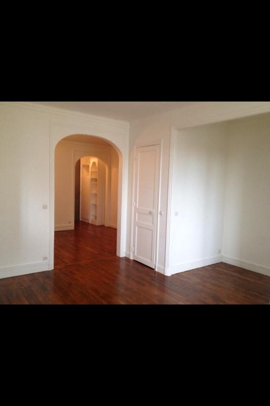 Location appartement Paris 17ème 1280€ CC - Photo 2