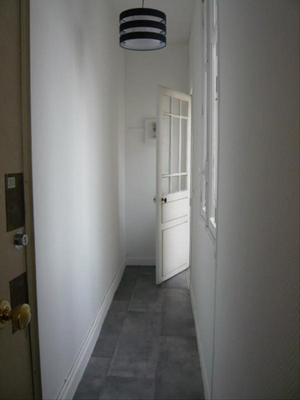 Location appartement Paris 11ème 890€ CC - Photo 7