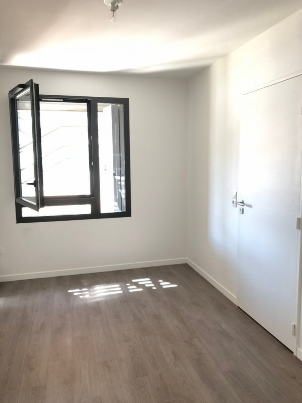 Rental empty room/storage Montreuil 2 470€ CC - Picture 12