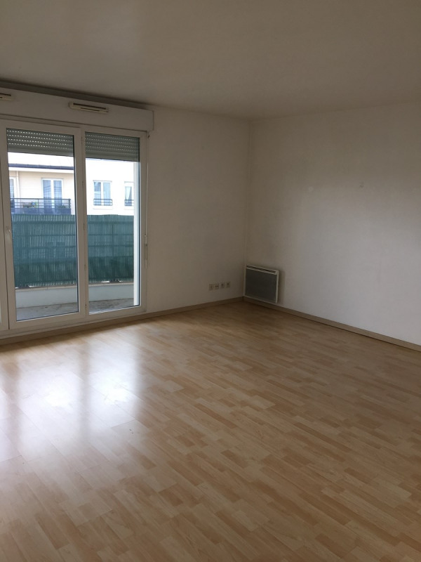 Rental apartment Colombes 1373€ CC - Picture 2