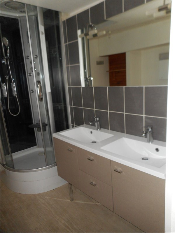 Rental apartment Voiron 358€ CC - Picture 6