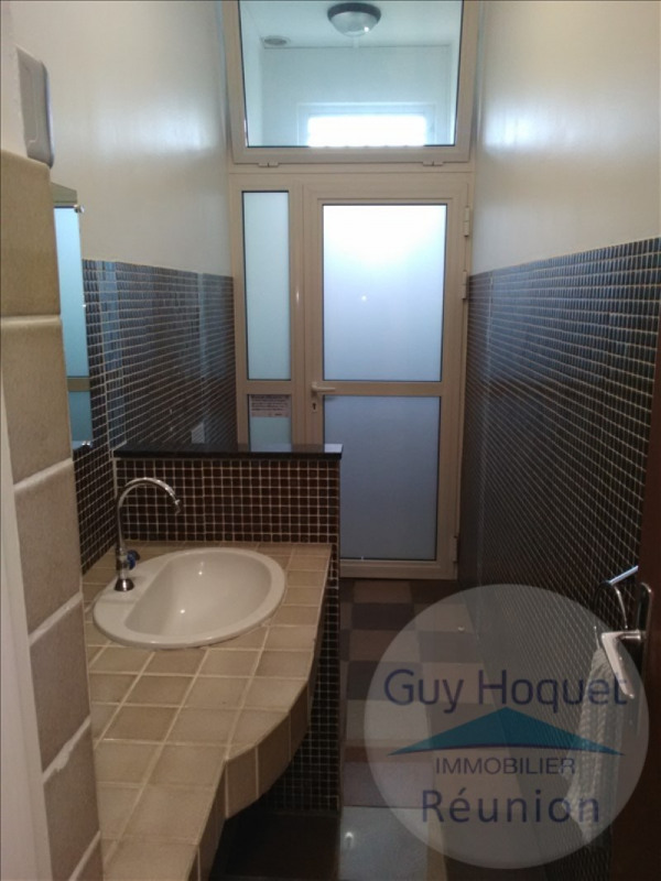 Location local commercial St denis 560€ HT/HC - Photo 3