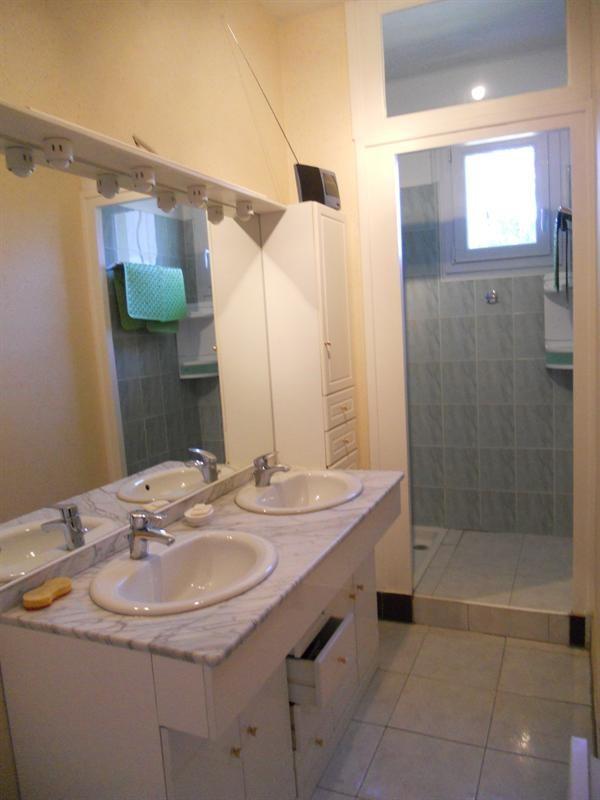 Vacation rental house / villa Saint-georges-de-didonne 1018€ - Picture 15