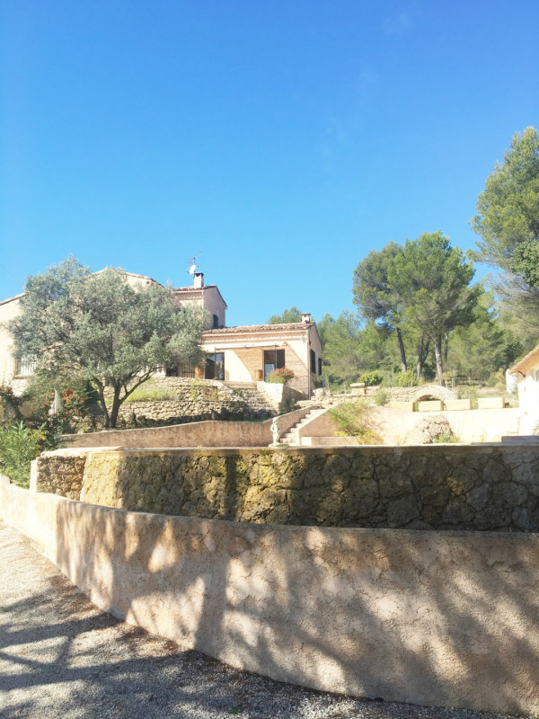 Location maison / villa Aubagne 2 700€ CC - Photo 2