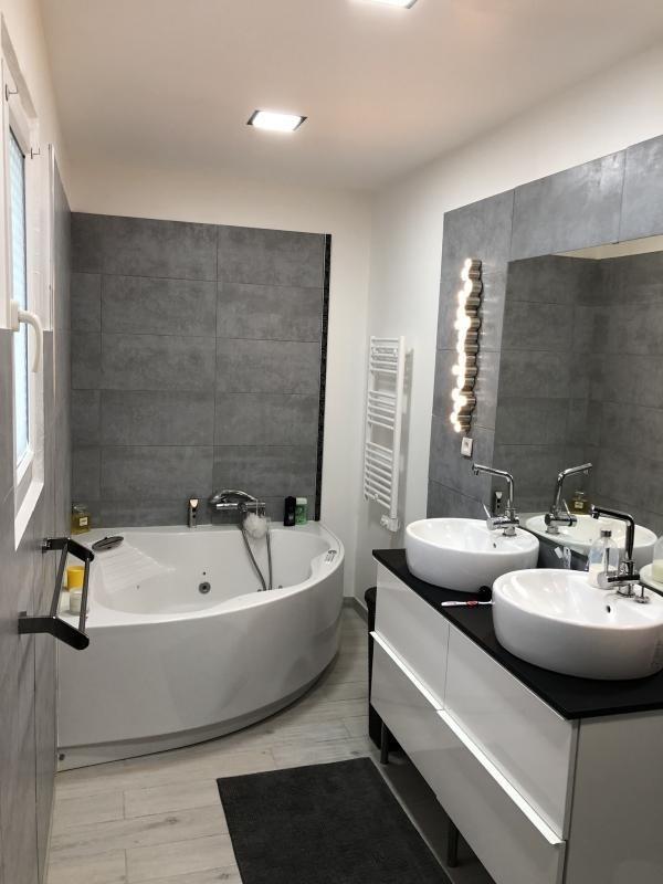 Vente de prestige maison / villa L isle jourdain 399000€ - Photo 8