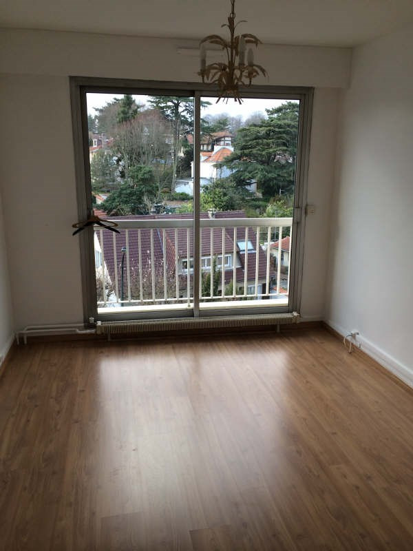 Location appartement Garches 1 250€ CC - Photo 3