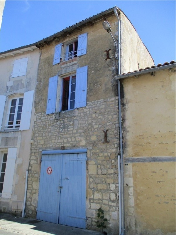 Sale house / villa St jean d angely 70200€ - Picture 1