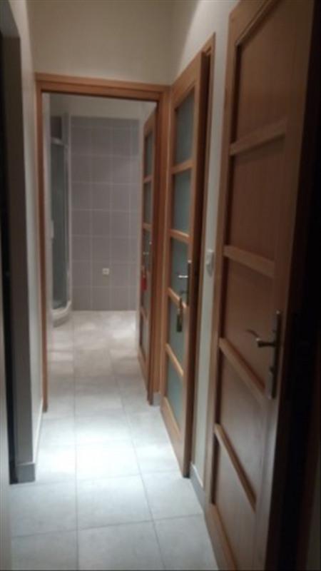 Locação apartamento Paris 18ème 2350€ CC - Fotografia 9