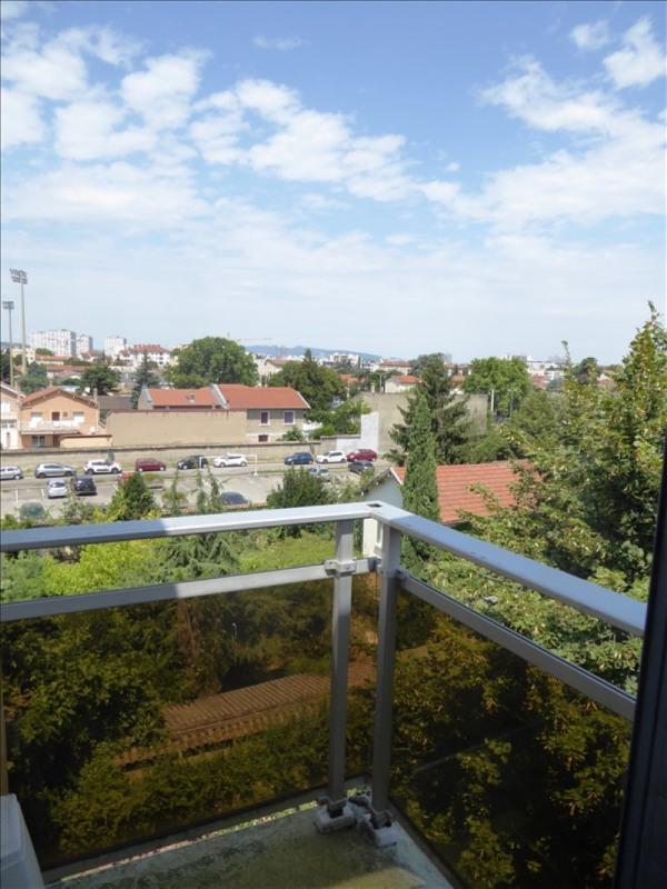 Sale apartment Lyon 8ème 186000€ - Picture 3