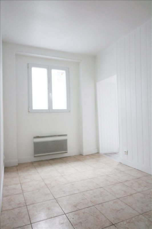 Rental apartment La plaine st denis 478€ CC - Picture 1