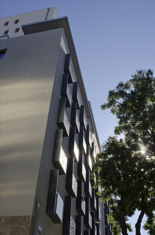 Location appartement Marseille 3ème 915€ CC - Photo 2