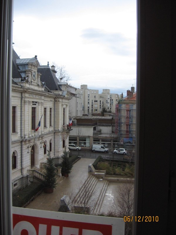 Location appartement Oullins 517€ CC - Photo 1