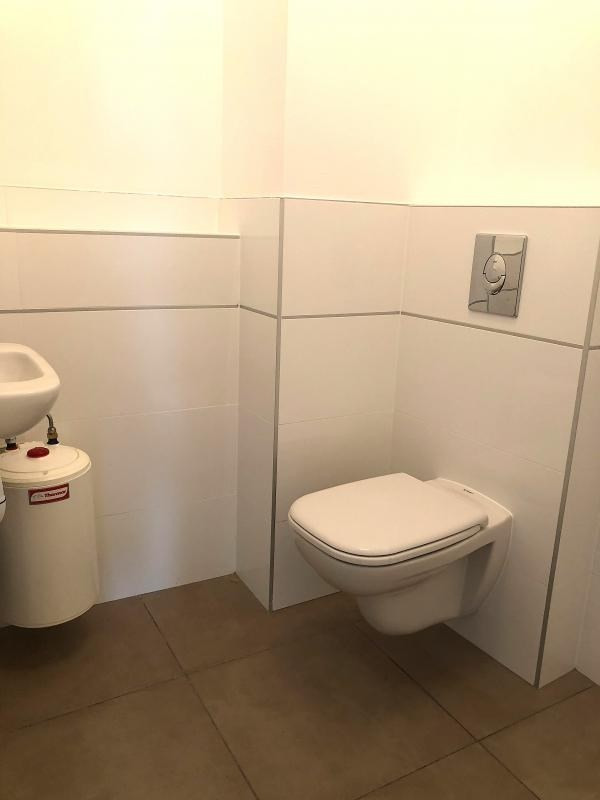 Location local commercial Strasbourg 1300€ HT/HC - Photo 9