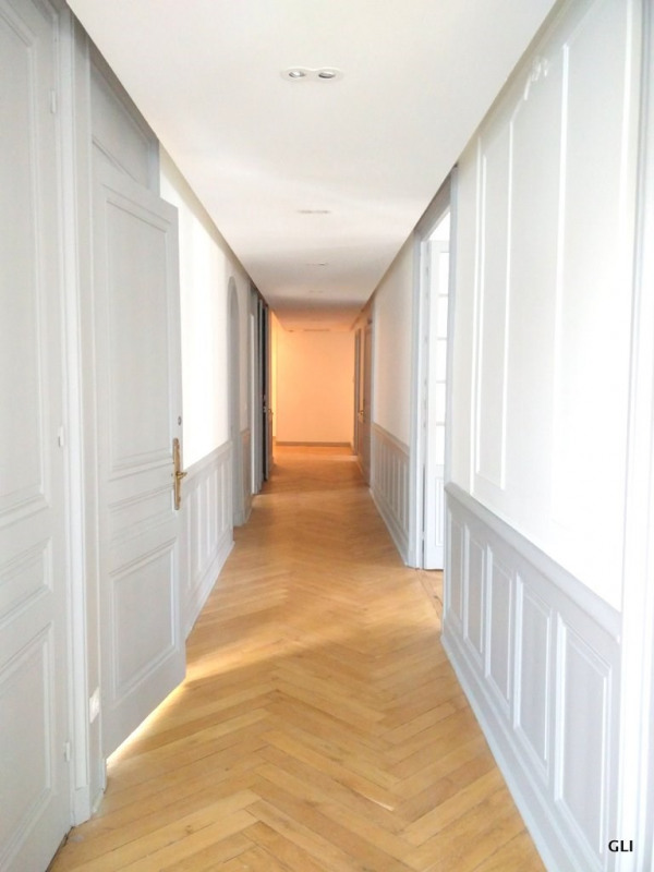 Rental apartment Lyon 2ème 2854€ CC - Picture 5