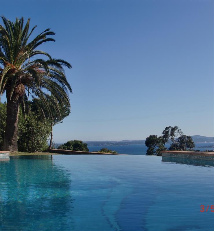 Sale house / villa Les issambres 900000€ - Picture 1