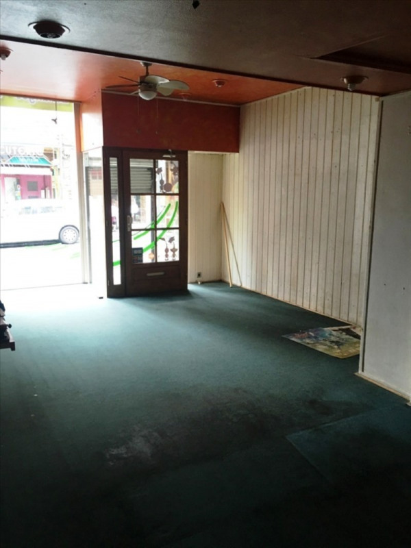 Location local commercial Fougeres 350€ HT/HC - Photo 2