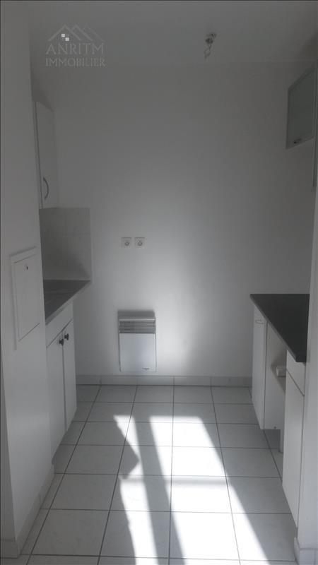 Rental apartment Plaisir 760€ CC - Picture 4