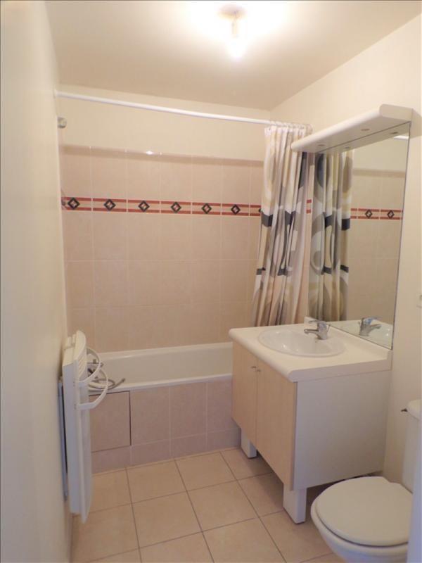 Location appartement Montigny le bretonneux 815€ CC - Photo 7