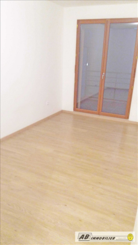 Location appartement Carrieres sous poissy 841€ CC - Photo 5