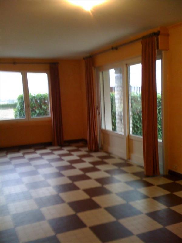 Rental house / villa Bessenay 918€ CC - Picture 4